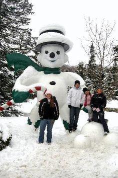 huge-snowman