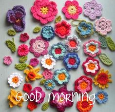 Crocheted flowers tutorial ~~ also other tutorials for other crocheted designs. I sure wish I could crochet. Appliques Au Crochet, Crochet Flower Patterns, Crochet Motif, Crochet Designs, Knitting Patterns, Knit Crochet, Crochet Crafts, Yarn Crafts, Crochet Projects