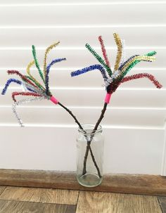 5 Firework Crafts for Kids Ingenious pipe cleaner sparklers; perfect for all the sparkle, without the flame! 5 Firework Crafts for Kids Bonfire Night Activities, Bonfire Night Crafts, Bonfire Crafts For Kids, How To Make Fireworks, Fireworks Craft For Kids, Fireworks Design, Fireworks Art, Firework Gender Reveal Party, Fireworks Wallpaper