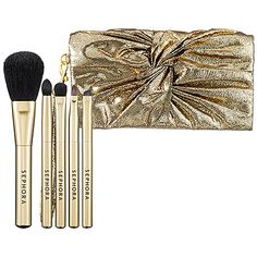 Bestselling Holiday Gift Picks: #SEPHORA COLLECTION Bow Clutch Brush Set - $34 (115 value) incl. Powder, Blush, Shadow, Precision shadow, Angled liner & Smudge brushes. #SephoraSweeps