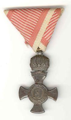 Austrian WW1 Eisernes Verdienstkrez (Austrian Military Medal).