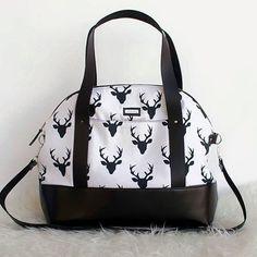 Gorgeous Aeroplane Bag. Pattern by Sew Sweetness.