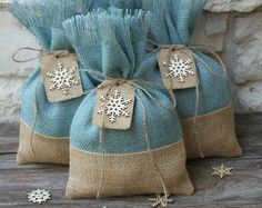 Burlap Gift Bags Set of FOUR Shabby Chic Christmas di FourRDesigns
