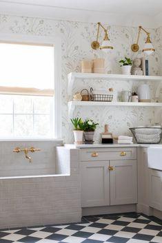 Dog Washing Station, Checkerboard Floor, Mudroom Laundry Room, Damier, Home Organization, Room Inspiration, House Design, Interior Design, Interior Ideas