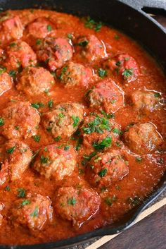 The BEST Italian Meatballs Recipe. This is the best classic meatballs recipe and I invite you to try them and let me know. These meatballs are tender, juicy, and made with simple ingredients for the best flavor. Italian Style Meatball Recipe, Homemade Italian Meatballs, Meatball Recipes, Best Meatballs, How To Cook Meatballs, Chicken Meatballs, Dinner Dishes, Dinner Recipes, Al Forno Recipe