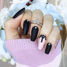 ✨Nails of the week✨Love the matte finish✨ ---------- Eu gosto muito desse look opaco! E vcs? #nails #matte