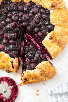 Blueberry Galette is the hassle free way to make homemade pie! It's got a juicy blueberry filling, easy all butter pie crust and minimal prep! #dessert #dessertrecipes #blueberryrecipes Elegant Desserts, Easy Desserts, Dessert Recipes, Breakfast Recipes, Blueberry Galette, Galette Recipe, Easy Pie, Sandwiches For Lunch, Butter Pie