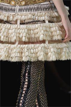 Alexander McQueen - Spring Summer 2013 Ready-To-Wear - Shows - Vogue.it