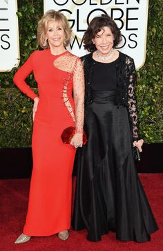 Golden Globes 2015 Red Carpet Arrivals | Jane Fonda and Lily Tomlin ('Grace and Frankie')