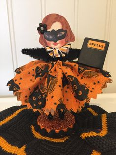 Vintage Style Bump Chenille Figues by artzeeshell Halloween Paper Crafts, Halloween Ornaments, Halloween Kids, Vintage Halloween, Halloween Decorations, Fall Decorations, Halloween Stuff, Styrofoam Crafts, Chenille Crafts