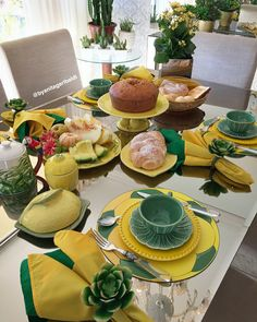 Trendy Ideas For Party Tea Decoration Place Settings Table Centerpieces, Table Decorations, Tea Display, Tea Places, Dresser Table, Christmas Table Settings, Easter Table, Deco Table, Place Settings