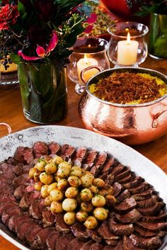 Fillet mignon with mustard sauce a l'Ancienne and french fries Buffets, Gourmet Food Plating, A Food, Food And Drink, Best Fruit Salad, Christmas Buffet, Beef Fillet, Portuguese Recipes, Portuguese Food