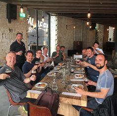 Männerrunde: Alle mal Biiiiiiiiieeeehhhrrr sagen. #craftbeer #stonebrewingco #craftbier #bier #bierbrauen #brauerei #beertasting #biertest #biertester #männer #männerabend #männerrunde