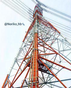 お疲れ様です.:.今週も頑張って働く私にはそれしかできないんだから #codename #タムテ106 #紅白鉄塔 #紅白 #steel_tower #格好良いものはいつだって鉄で出来てる #Japan #三重県 #私の視点 #視点の記録 #Instagram_magic #igworldclub_nature #instagramjapan #instagrames #ig_today #igersjp #ig_unitedstate #instagrambrasil #instagramrussia #instagramcolombia #ig_bogota_ #ig_asia_ #igworldclub_art #ig_shotz_BW #ig_merida #ig_errasia #ig_lata #ig_europa by noriko_hb