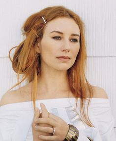 Tori Amos - I only like her older pictures because she's been mucking with her face lately and has the alien-puffy-plastic surgery head now :(