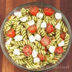 Caprese Pasta Salad - 15 Make-Ahead Lunch Ideas   GleamItUp