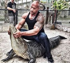 Dwayne 'The Rock' Johnson discloses his wild pet pals from 'Rampage'. has proved what he is capable of – from acting well to singing and slaying all the time! For more news read on Flico App Rock Johnson, The Rock Dwayne Johnson, Dwayne The Rock, Fitness Gym, Fitness Motivation, Daily Motivation, Bodybuilder, Fit Girls Images, John Rambo