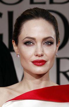 Google Image Result for http://photos-3.posh24.com/p/1526715/z/beauty_trends/angelina_jolie_close_up_diam.jpg