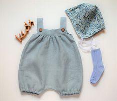 Taufbekleidung - Baby Leinen Strampler, kurze Latzhose,  Latzshorts - ein Designerstück von mimiikids bei DaWanda