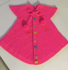 Triangle Shaped Frosted Glass Vest Starting From The Collar. - Ersin - - Triangle Shaped Frosted Glass Vest Starting From The Collar. Crochet Shoes, Knit Crochet, Dress Sewing Patterns, Knitting Patterns, Crochet Baby Jacket, Knit Baby Sweaters, Winter Wear, Kind Mode, Diy Clothes