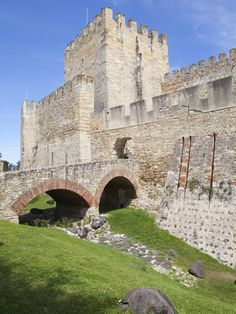 São Jorge castle, Lisbon Okay I might need a stone bridge for my log-castle someday!