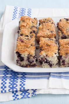 Susan Schwake's Blueberry Cake (with a light and crunchy simple sugar top – even refrigerated, it stays crunchy) | D*S