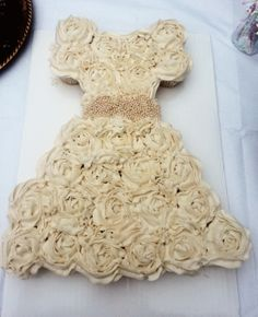 wedding dress cupcakes (use the pearls as the tie?)