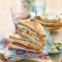 Club sandwich de Philadelphia® au curry, poulet, et légumes grillés