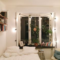 Find your favorite Minimalist living room photos here. Browse through images of inspiring Minimalist living room ideas to create your perfect home. Home, House Rooms, Home Bedroom, Room Inspiration, Interior, House, Bedroom Decor, House Interior, Room Decor
