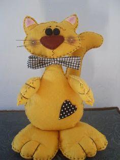 Yarn Dolls, Cat Cushion, Cat Pillow, Felt Cat, Kids Pillows, General Crafts, Cat Crafts, Felt Toys, Stuffed Animal Patterns