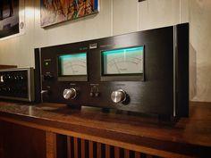 Say hello to my not-so-little friend. Sansui BA-3000 power amp with QA-7000 pre out, 170 wpc on tap for the JBL 4430 . . . . . . . ______________________________________ #audiokarma #audioporn #vinylporn #vinyligclub #instahifi #instamusic #instavinyl #vinylcommunity #vinylporn #vinyl #turntable #turntableporn #musiclover #vfrecordcollections #musiclovers #vinylcollectionpost #musicroom #listeningroom #thehomeofvinyl #vintageaudiogear #vintagehifi #vintagestyle #hifi #sansui #sansuiba3000