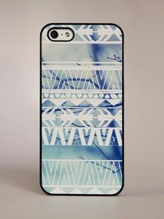 BlissfulCASE - iPhone 5 Geometric Aztec On Winter Print Case