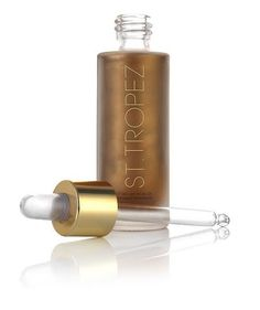 The St. Tropez self-tanner oil is a unique product because it gives your the effect of a bronze glow will depositing long-lasting color with DHA.