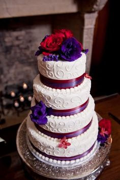 Red and Purple Wedding | Wedding Cake. http://simpleweddingstuff.blogspot.com/2014/05/red-and-purple-wedding.html