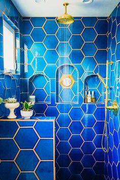 Before and After: Jungalow Master Bathroom Big Reveal (Justina Blakeney - The Jungalow) Pony Wall, Fireclay Tile, Interior And Exterior, Interior Design, Small Showers, Blue Tiles, Deco Design, Big Design, Beautiful Bathrooms