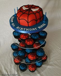 Codie's Spiderman Cake with cupcakes