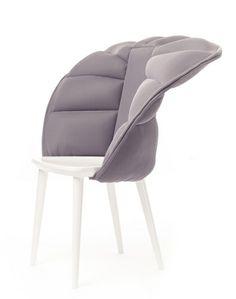 """Creatia designerilor Frederik Farg si Emma Marga Blanche poate defila lejer pe podium. Pornind de la ideea de manechin, scaunul F-A-B poate fi accesorizat cu huse realizate din diverse materiale, cu diverse matlaseuri, texturi si culori. Designerii descriu colectia astfel """"NewDresses, Couture and Pret-a-Porter for chairs"""""""