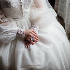Hijabi Wedding, Muslim Wedding Dresses, Bridal Dresses, Wedding Gowns, Prom Dresses Long With Sleeves, Wedding Dress Sleeves, Hijab Fashion, Fashion Outfits, Stylish Hijab