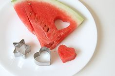 Fun Summer Snacks for #Toddlers: Make snack time engaging with these 5 quick & easy ideas! (You'll want to PIN this if your child is a picky eater!) @Busy Mommy Media @Right Start