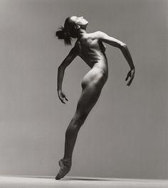 Richard Avedon photographing Sylvie Guillem, ballerina-----beautiful