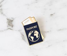 Pin esmalte de pasaporte