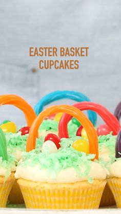 Easter Basket Cupcakes Easter Basket Cupcakes Imperial Sugar imperialsugar Easter Recipes Craft Ideas and Free Printables How To Video Easter Basket Cupcakes nbsp hellip Cupcake videos Cupcake Videos, Cupcake Recipes, Dessert Recipes, Easter Cupcakes, Cupcakes Kids, About Easter, Hot Cross Buns, Craft Free, Hoppy Easter