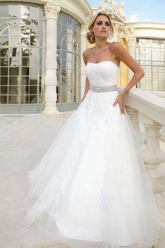 Trouwjurken | Trouwjurk van het merk Ladybird model 35039 - Weddings Bruidsmode