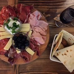 10 Things to Know About Eating in Bologna