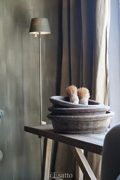 Fresco lime paint from Pure & Original in the color Zinc. Cred. Esatto