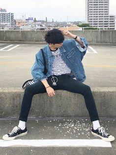 D is wearing converse. d is wearing converse fashion, korean fashion men Grunge Winter Outfits, Korean Winter Outfits, Casual Winter Outfits, Korean Outfits, Mode Outfits, Korean Outfit Male, Guy Outfits, Korean Fashion Men, Korean Street Fashion