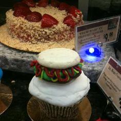 Burger cupcakes | Nicely Burger Cupcakes | Pinterest | Burger Cupcakes ...