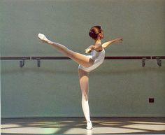 ballet, dance, and ballerina image Ballet School, Ballet Class, Ballet Dancers, Ballerinas, Ballet Barre, Dance Photos, Dance Pictures, Ballet Pictures, Paris Opera Ballet