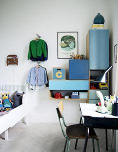 working corner, wall storage