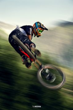 as stylish as ever at the 2014 Whip Off's at Crankworx France. As seen on Dirt Magazine as stylish as ever at the 2014 Whip Off's at Crankworx France. As seen on Dirt Magazine Bmx, Mtb Bike, Road Bike, Mtb Downhill, Mountain Biking, Freeride Mtb, Montain Bike, Wow Photo, Moto Cross